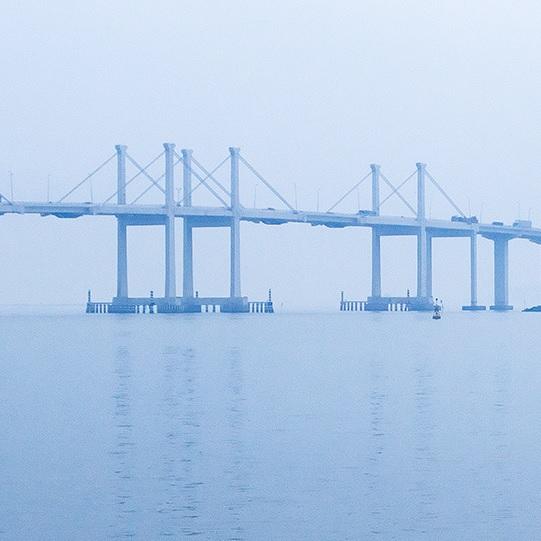 Aplicaciones Tecnológicas protege con 19 pararrayos DAT Controler® Plus el puente más largo del mundo sobre el agua